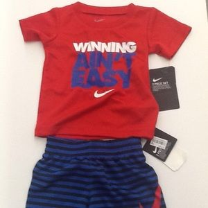 Nike T Shirt and Shorts Set